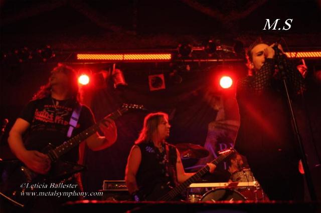 DSC 0123 Leaves Eyes + Atrocity + Diabulus in Musica + Embellish  2 de Marzo12  Sala Mephisto(Barcelona)
