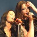 intro tarja MFVF13: El festival acaba con Tarja y Floor Jansen cantando juntas en el escenario