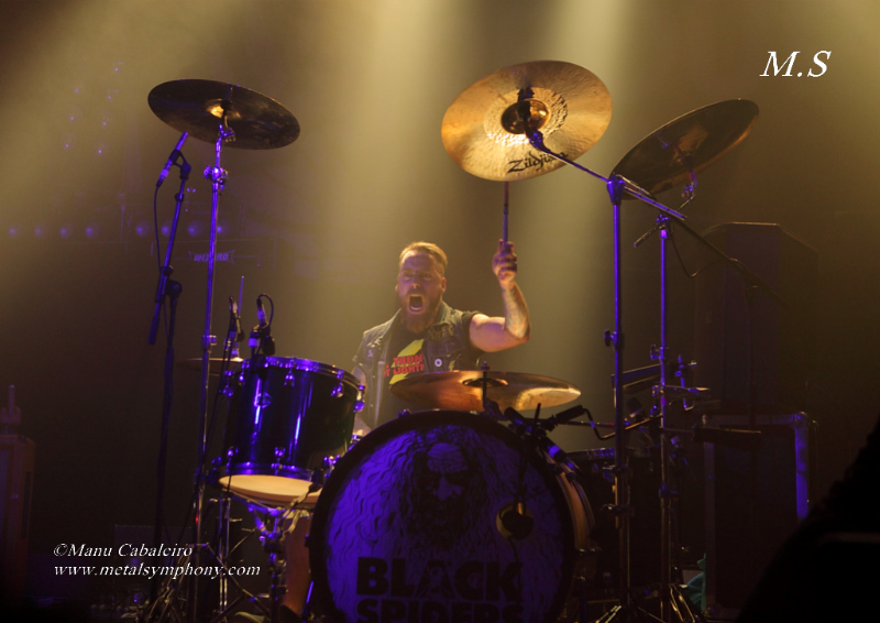 Black Spiders 5 Airbourne + Black Spiders + Corroded   18 de noviembre13 – Sala La Riviera (Madrid)
