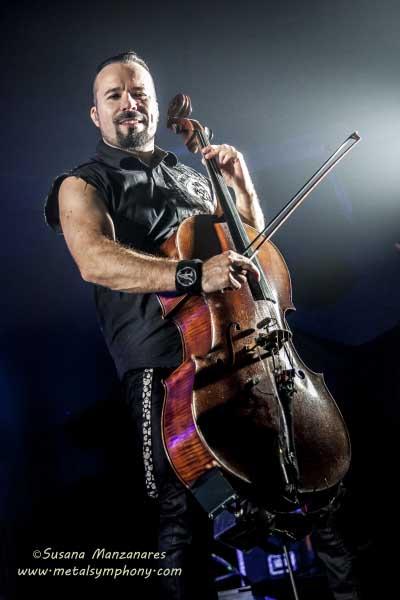 Apocalyptica honran con sus arcos a Metallica entre Cello y terciopelo.