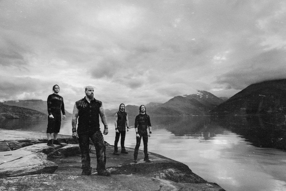 """Los guerreros del Winter Metal finlandés WOLFHEART han lanzado un vídeo de su nuevo single """"The Flood"""""""