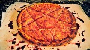 Conoce  al chef del heavy metal que hace Pizzas Slayer y hamburguesas Danzig