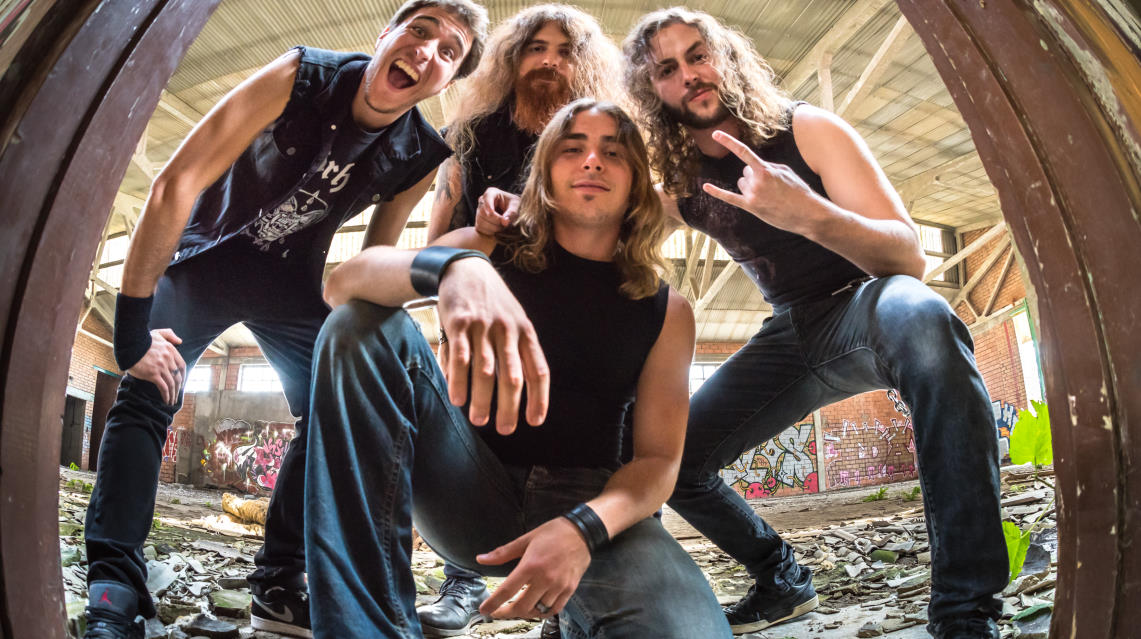 Blaze Out presentan el espectacular videoclip de 'Old Acquaintances'