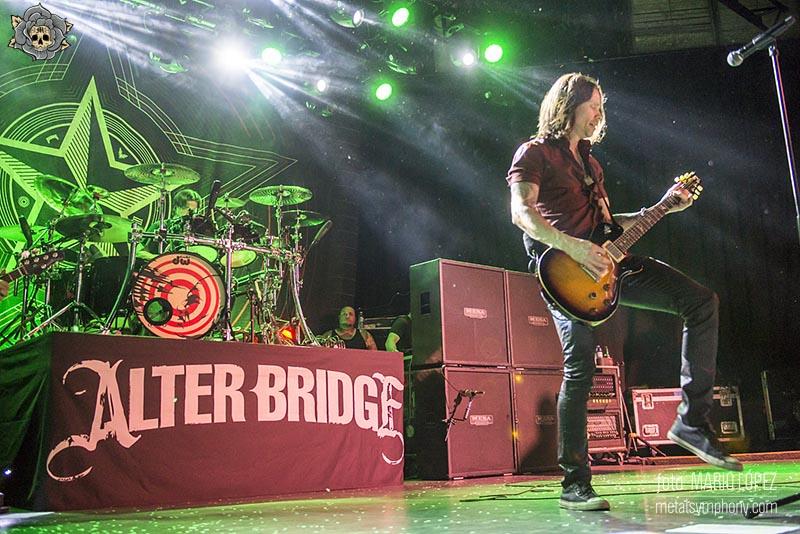 Mientras la perfección no existe,  Alter Bridge se acercan a ella
