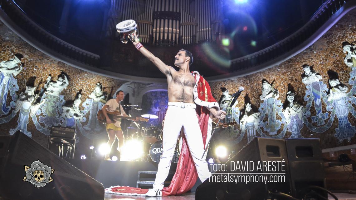 Dios salve a la reina se corona en el Palau de la Música Catalana