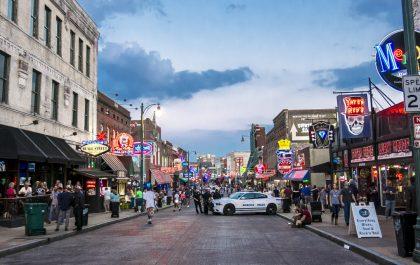 5a.-Beale-Street-la-calle-del-blues-en-Memphis-420x265