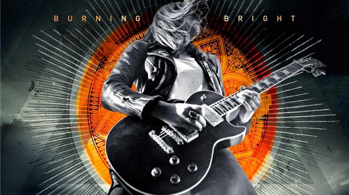 Laura Cox: Burning Bright // Ear Music