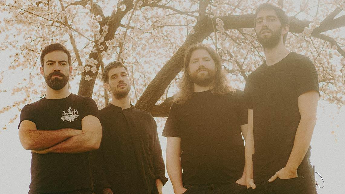 Estrenamos «Viven en la Memoria», nuevo single de Deriva
