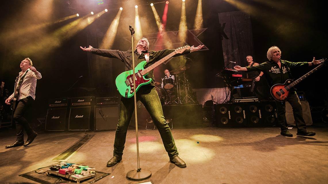 FM: Tough It Out Live // Frontiers Music