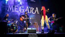 Noche de fucsia intenso con Megara en Barcelona