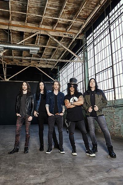 Slash y su banda, primer artista de Gibson Records